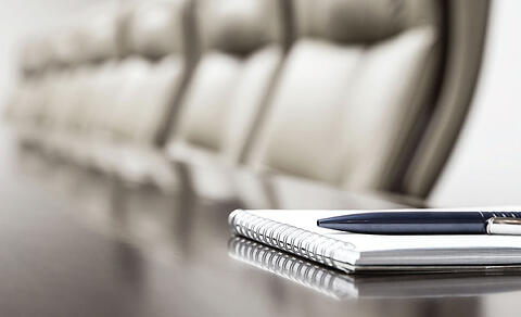 18-Executive-Table-Pen-Pad-LR.jpg